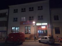 hlavn-vchod-do-hotelu-z-nmst