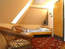 pokoj-4-pokoj-se-nachz-v-podkrov-domu