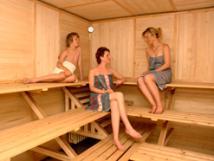 sauna-pro-15-osob-se-studenm-baznem