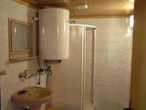 koupelna-se-sprchovm-koutem-a-wc