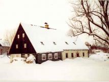 chalupa-pod-lpou-v-zim-pohled-severo-vchodn