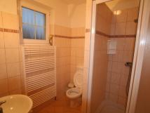 koupelna-pokoje-do-zahrady