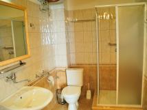 koupelna-apartmnu-pro-4-osoby