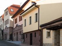 hlavn-vchod-vinask-ulice-josefsk
