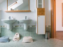 koupelna-za-zrcadlem
