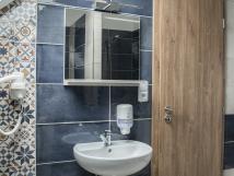 koupelna-v-modrm-pokoji