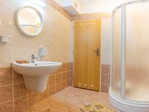 koupelna-k-pokoji-6-v-chat-smrkov