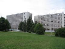 hotelov-budova