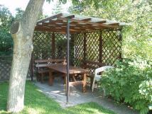 posezen-na-zahrad-u-grilu