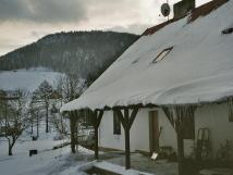 terasa-v-zim-v-pozad-jeden-z-lyaskch-arel
