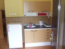 kuchysk-linka-lednice-dvouvai-rychlovarn-konev