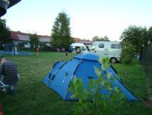 prostor-pro-stany-karavany-v-pozad-chatky