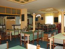 prostory-restaurace-monaco
