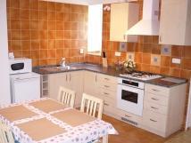 apartm-obvac-pokoj-s-kuchyskm-koutem