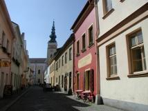 historick-kosteln-ulice-v-novm-jin-100m-od-nmst