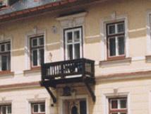 budova-se-nachz-za-editelstvm-lzn