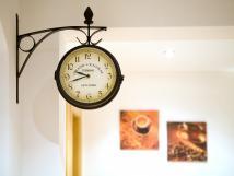 hodiny-na-chodb