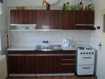 pln-vybaven-velk-kuchy