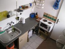 kuchyn-ve-velkm-apartm