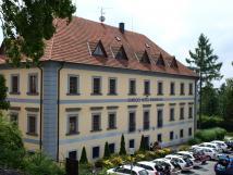 Chateau Loučeň & Chateau hotel Maxmilián