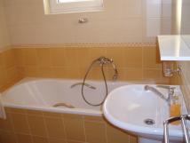 koupelna-pro-pokoj-1-a-2