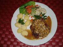 steak-na-houbch-a-na-cibulce