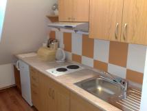 kuchyka-na-hndm-apartmnu