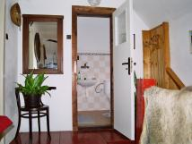 vchod-do-sprchy-a-wc