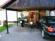 bezpen-parkovn-pro-motocykly-pod-stechou