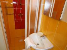 letn-pokoj-koupelna