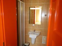 oranov-pokoj-koupelna