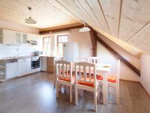 jdelna-a-kuchy-attic