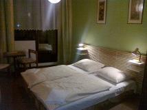 dvoulkov-pokoj-s-balkonem