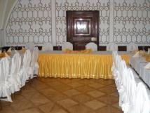 zlat-salonek-na-svatbu