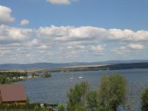 pohled-na-yachtclub-z-balkonu