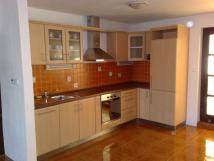 kuchyn-v-apartmnu