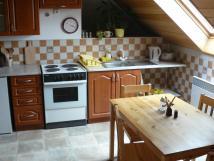 kuchyn-v-pokrovnm-byt