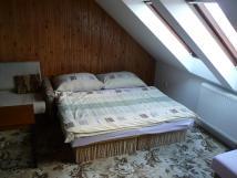 pokoj-6-v-podkrov