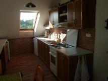 kuchyn-v-podkrov