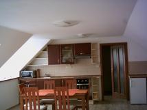 kuchyn-v-novm-apartmnu