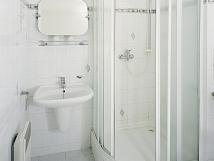 pokoj-standard-koupelna