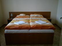 pokoje-ve-4lkovm-apartmnu