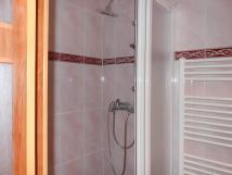 tlkov-pokoj-sprcha
