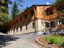 bozeov-budova-penzionu-dokonen-v-roce-2012
