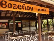 bozeov-kemp-kiosek-se-zasteenou-terasou-s-nabdkou-rychlho-oberstven