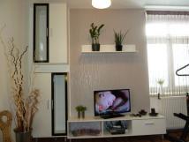 apartm-av10