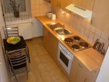 apartm-av1