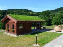 norsk-zahradn-domek-s-posezenm-a-grilem