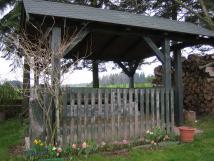 zahradn-altn-pro-venkovn-posezen-a-grilovn