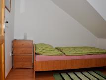 pokoj-s-postel-140x200-cm